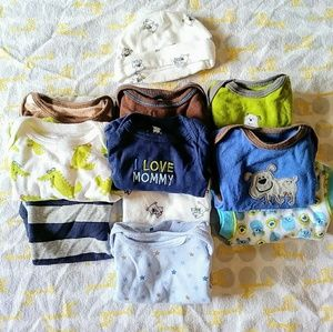 Lot of 10 NB onesies and NB hat.